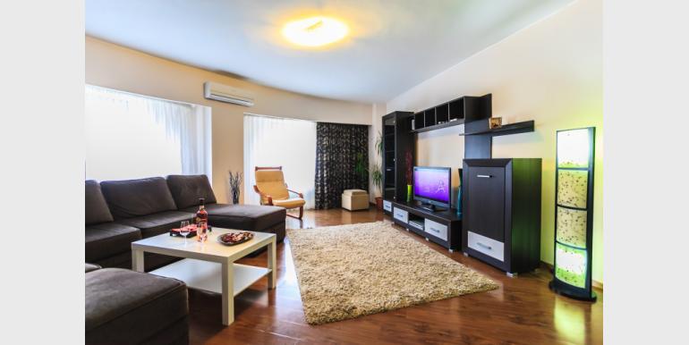 3 Rooms Apartment - CEC 3 - Rond Alba Iulia - Cazari-Bucuresti.ro