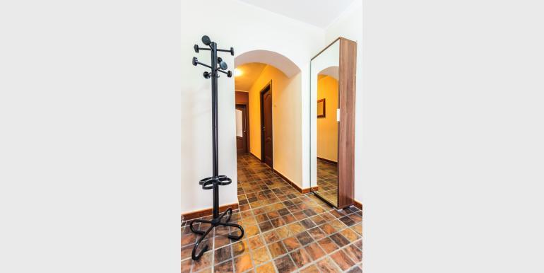Apartament cu 3 camere - CEC 3 - Rond Alba Iulia - Cazari-Bucuresti.ro