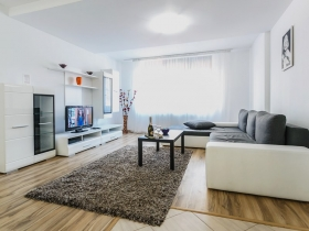 Alba Iulia Apartament 13 - Bulevardul Burebista numarul 4
